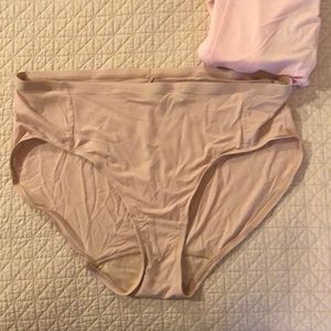Hanes NEW high waist panties- 2 pairs